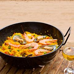 passender Wein und Rezept zur spanischen Paella